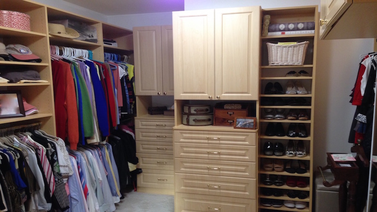 Creative Closet Solutions Light Woodgrain Walk In Closet Creative Closet Solutions
